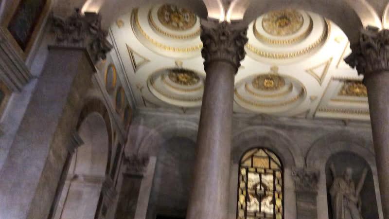 Сан Паоло фуори ле Мура вторая из четырёх по значимости римских базилик в ней захоронены мощи Апостола Павла