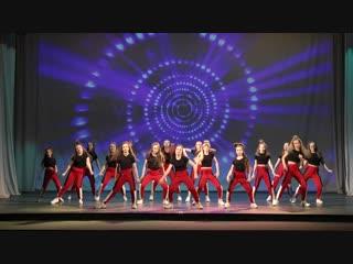 01 - Танец «Woman like me»