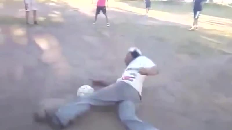 Коли п'яний граєш у футбол