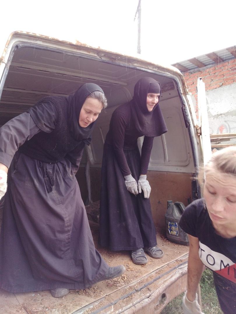 28 июля состоялся субботник при монастыре 11
