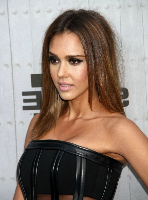 2019 HALF-LENGTH HAIRSTYLES, THE MOST TREND AMONG CELEBRITIES! 2