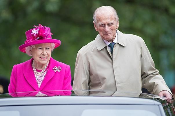 Супруг королевы Елизаветы II принц Филипп попал в ДТП Вчера 97-летний супруг королевы Елизаветы II принц Филипп стал участником ДТП. Авария произошла недалеко от загородного поместья Виндзоров