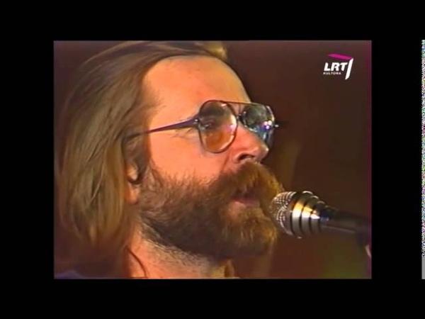 Dainos teatras Baltas paukštis 1991 12 25