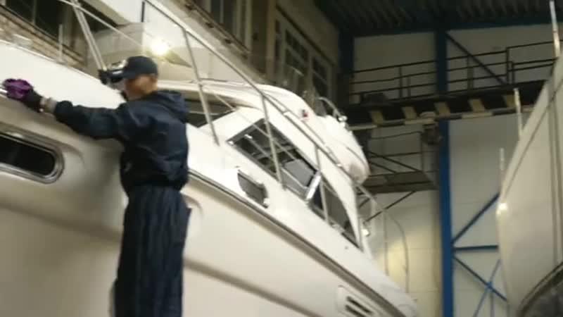 Процесс полировки яхты Sealine F43 с последующим нанесением защитного состава Сeramic Pro Marine в центре Ceramic Pro Latvia Лат
