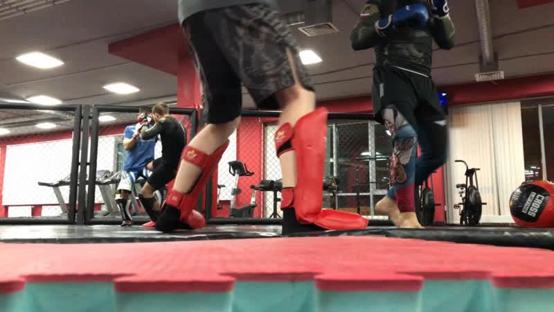 Тренировка по MMA. Тренер Никита Чистякова.