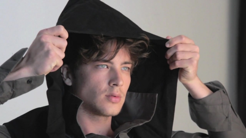 Behind the scenes video Emily Barclay, Robin McLeavy, Cody Fern Leila George from SMR fashion week shoot.