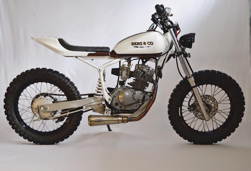 Bergnco: дорожный скрэмблер Suzuki DR200 Johnny Lightning