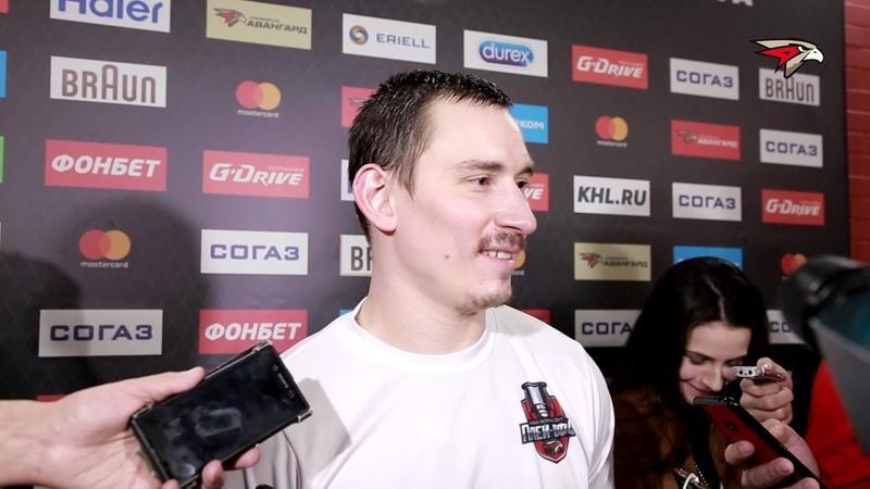 Максим Чудинов после победы над Барысом Вратарю тяжелее ловить такие броски с отскоком от льда