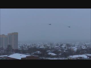 Военные вертолеты летают над Верхней Пышмой
