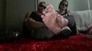Couple feet! Worship and smell our sweaty feet after gym! Podolatria pés SUADOS depois da academia