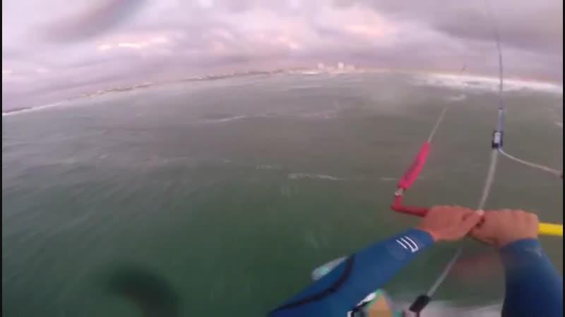 Kitesurfing waves PenicheBaleal 18.02.19