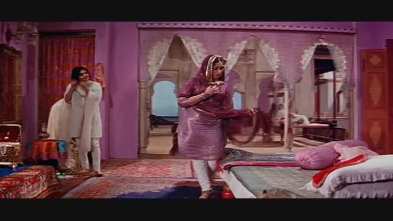 Pakeezah 1972 Hindi DvDRip 720p