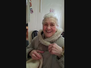 Как назвать её бабушкой, это женщина--огонь! Просто фантастика--на девяностом году начать купаться в проруби!