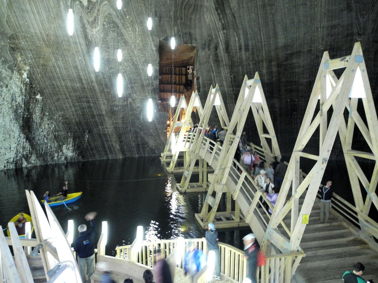 Саляна Турда - парк развлечений на глубине 122 м