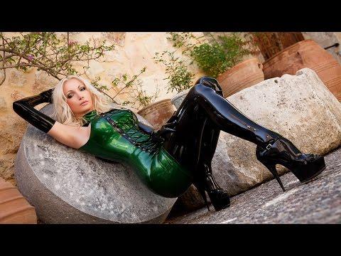 Sexy green latex minidress   Susan Wayland (photoshoot 2009)