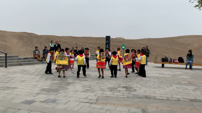 Huayno dance :