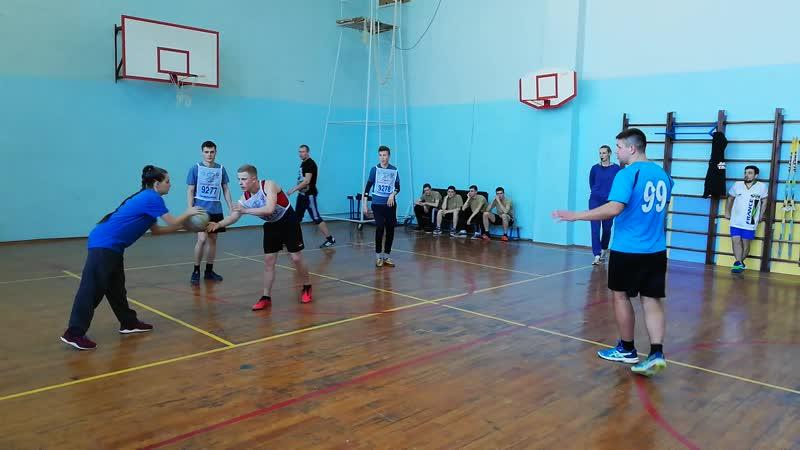 команда Бизон, стала в итоге победителем Открытого молодежного турнира по баскетболу 3 на 3.