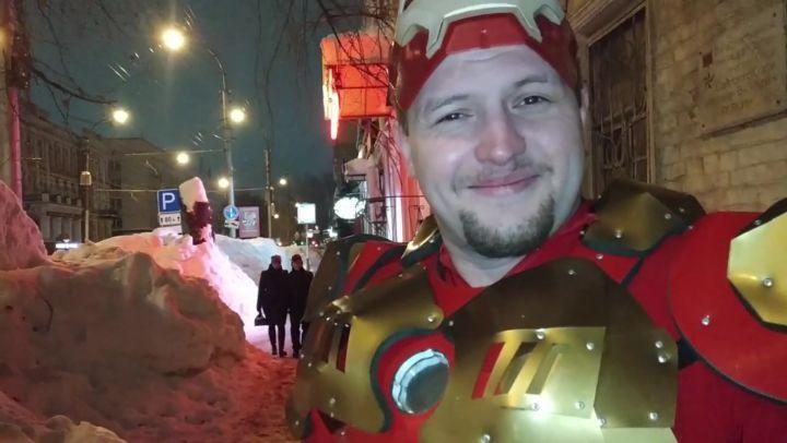 """Saratov on Instagram """"@saratovonline 👈 все саратовские новости у нас. Подпишись и будь в курсе! . Железный человек разбирается со снегом в Сарат..."""