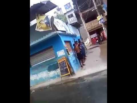 Traficantes trocam tiros com policiais em favela do RJ