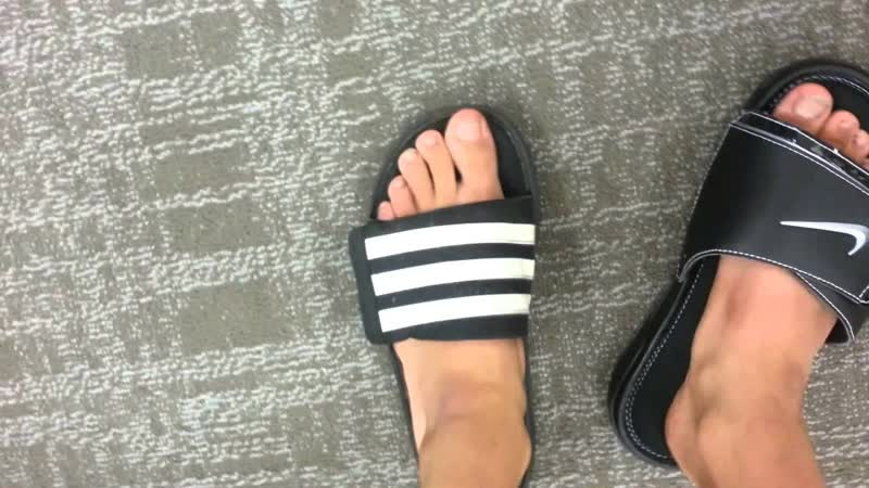 Женские шлепанцы Nike Benassi Particle Rose