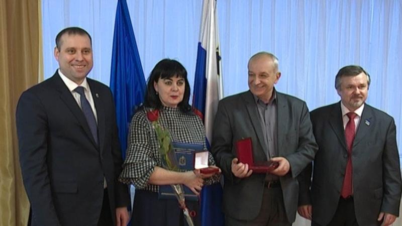 Андрей Гаранин наградил нефтяников 6