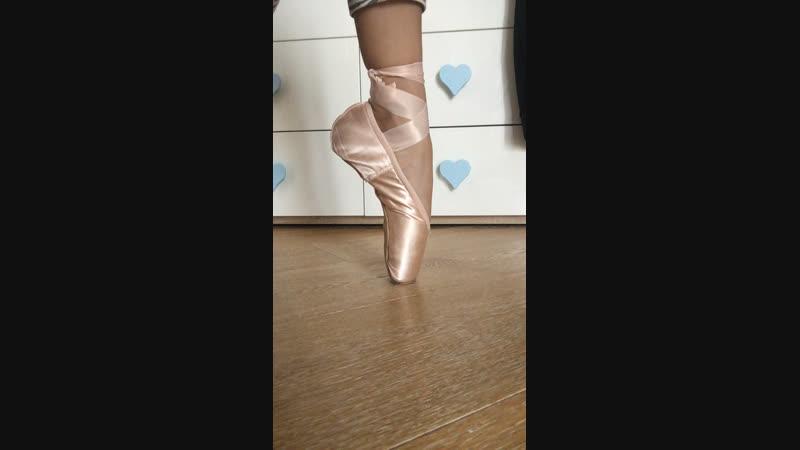 Всё о пуантах!! И зачем балерине молоток?
