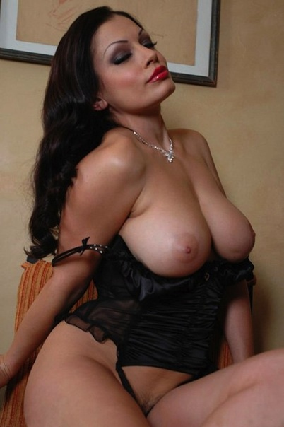 Nude Tara Reid Gifs