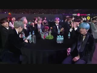 i'm @ how they can never catch taehyung offguard he's always ready lmao