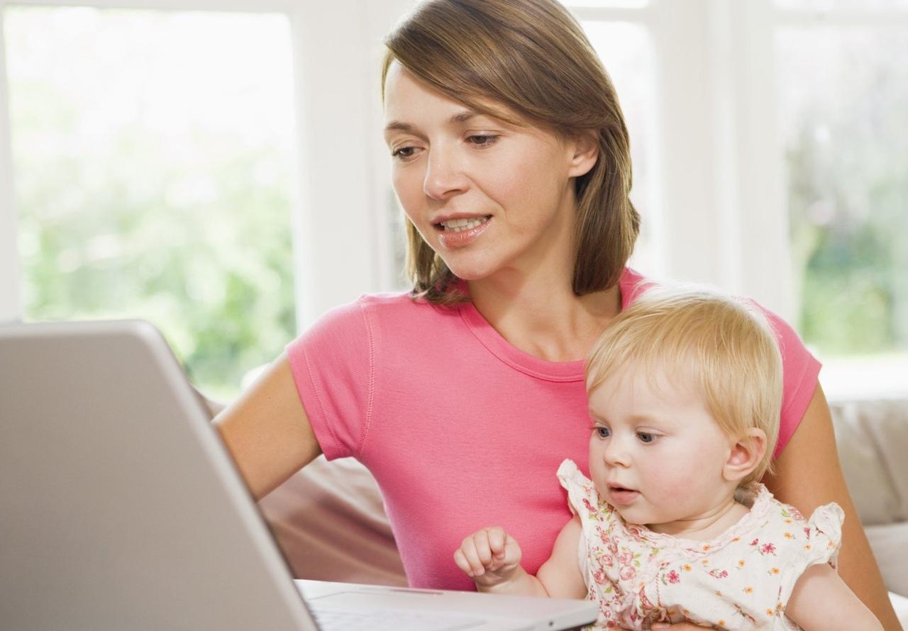 Картинки мама с ребенком за компьютером