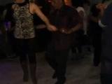Parejas bailan Vieja Guardia @Panteon de la Salsa