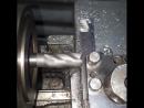 Токарный станок делает себе резцы фрезер фреза станок токарь lathe metalwork подача резец металлообработка металл те