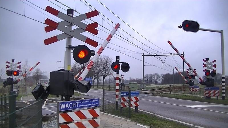 Spoorwegovergang Sint Joost Dutch railroad crossing