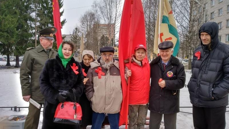 Председатель Народного Совета Ленинграда Лидия Егорова на митинге 17 марта 2019 года