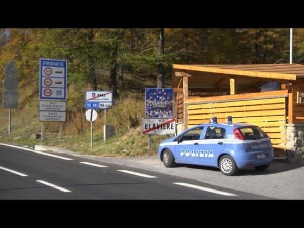 Migrants des policier italiens à la frontière avec la France
