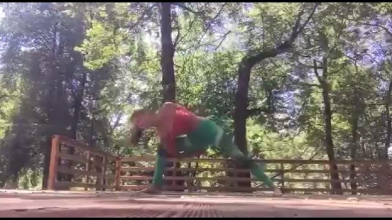 Йога летом в парке 🙂
