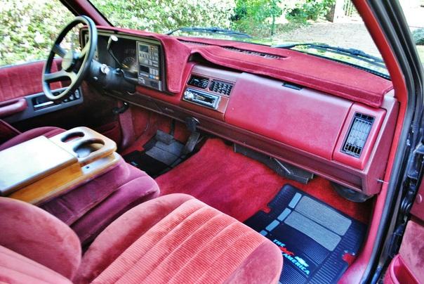 Chevrolet 454 SS 1991 Рецепт создания спортивного трака прост как гамбургер! Ну или Jac Daniels с CocaColoй, кому что больше нравиться Берём самый маленький full size picup truc (о как!) т.е.
