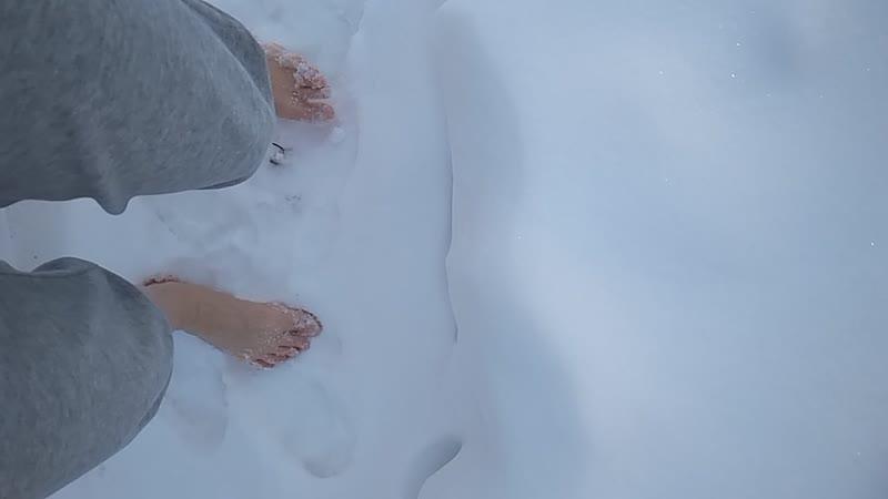 День двадцать первый. Босиком по снегу.