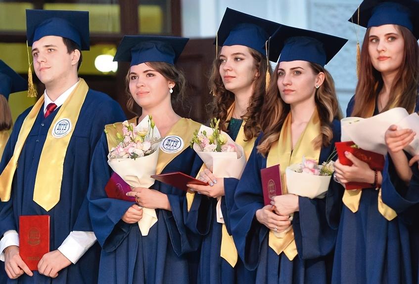 Более 5 900 студентов получат дипломы опорного вуза Ростовской области