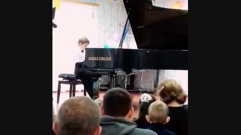 Вадим Венгер исполняет Опустевший бальный зал У Гиллока