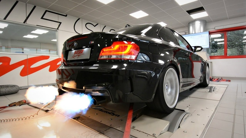 BMW 1M with Akrapovic Exhaust CRAZY Pops Bangs Map! - LOUD Sounds Flames on the Dyno!