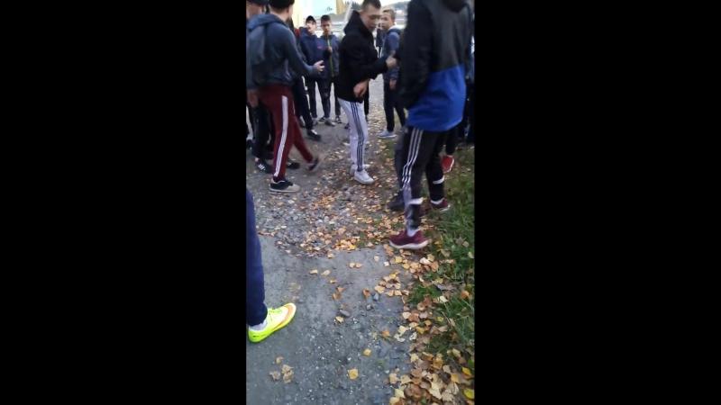 В Нижней Туре школьники сломали сверстнику позвоночник 1