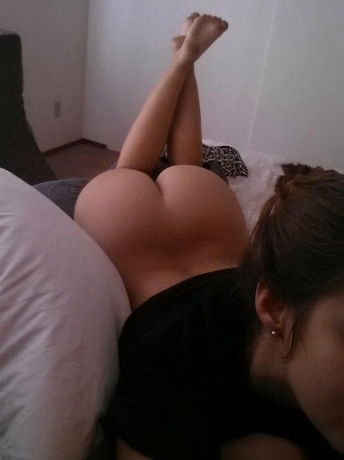 Dark brown hottie masturbate and teasing