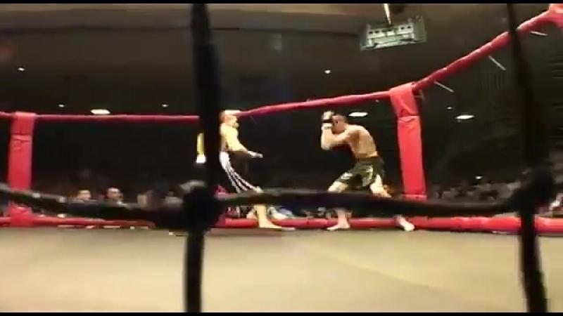 Конор Макгрегор vs Мо Тэйлор (3 бой в ММА)