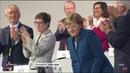 Nach Rede von Merkel - 😭 Annegret Kramp-Karrenbauer 😭 weint, der Rest klatscht sich die Finger wund