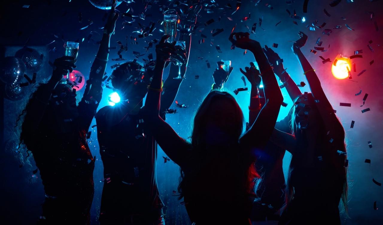 Фото в ночном клубе, женская пизда на любой вкус личное фото