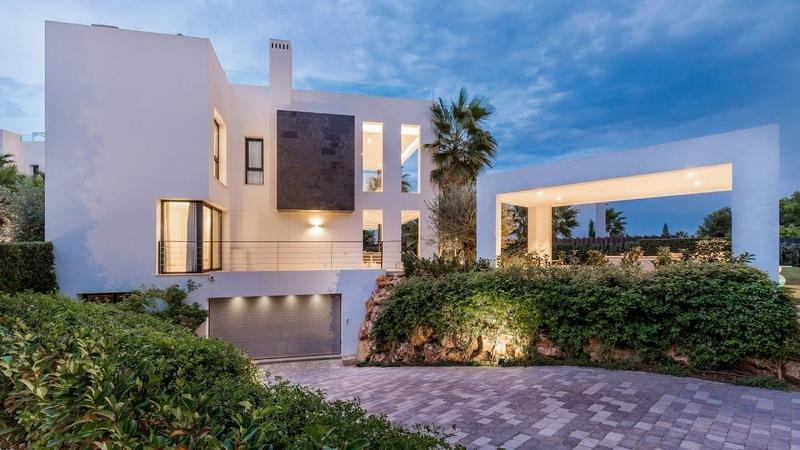 New Modern Luxurious Villa Altos de Puente Romano Golden Mile Marbella Spain 3 490 000 €