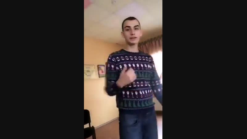 Возбуждающий Украинский Альфач в Школе Делает Скример Малолеткам 18 Видео Русских Из Украины Провальные Поиски Школьниц