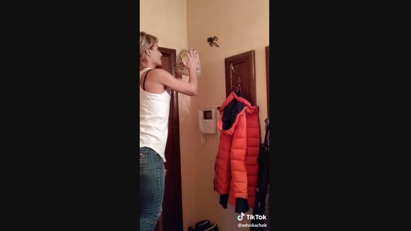 Лучший способ поймать паука 👍
