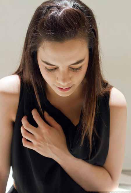 Большая часть боли в груди во время беременности невинна и не является причиной более серьезного состояния здоровья.