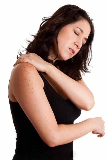 Боль в спине может сопровождать боль в груди во время беременности